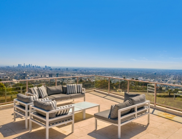 Live like a movie 🎥 star ⭐️ in The Hollywood Hills with panoramic views from downtown to the ocean.